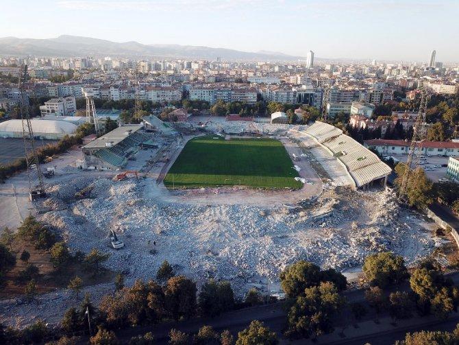 Konya'da eski stadyum Millet Bahçesine dönüşüyor