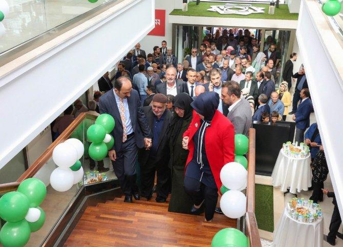 Meram'da Mehmet Ali Özbuğday Gençlik Merkezi açıldı