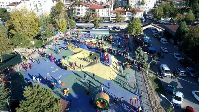 Beyşehir Belediyesinden yeni konseptli çocuk parkı