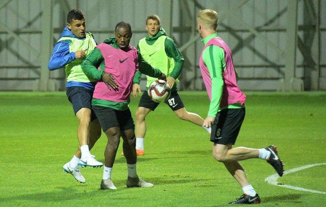 Atiker Konyaspor'da maç hazırlıkları sürüyor