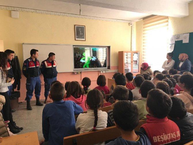 Kulu'da jandarmadan öğrencilere trafik eğitimi