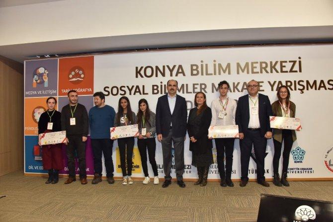 Makale yarışmasında ödüller verildi