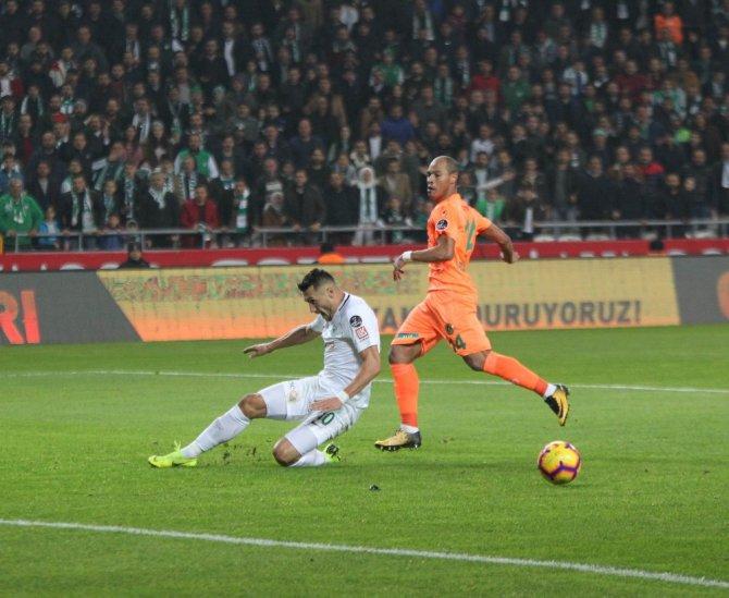 Spor Toto Süper Lig: Atiker Konyaspor: 0 - Aytemiz Alanyaspor: 0 (İlk yarı)