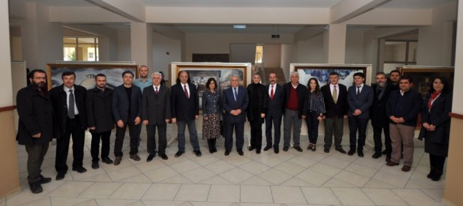 NEÜ'de Anadolu Selçuklu Mimarisine ait eserlerin resimleri sergilendi