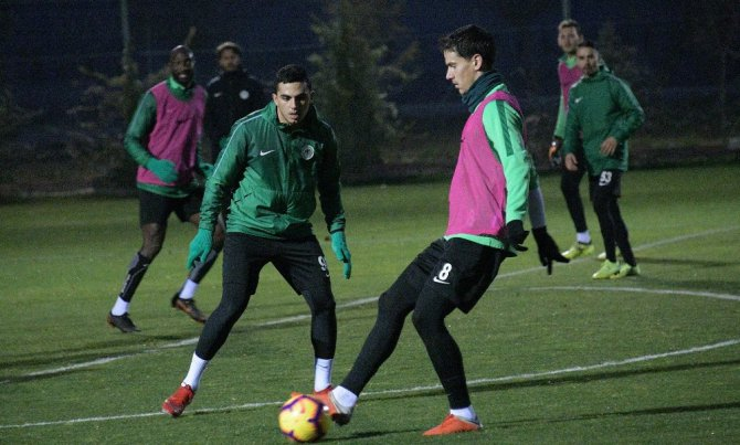 Atiker Konyaspor, Akhisarspor maçı hazırlıklarına başladı