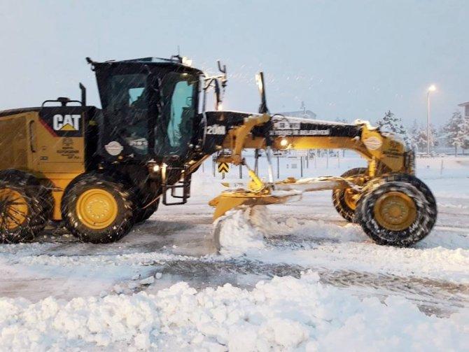 Seydişehir'de kar temizleme çalışmaları başladı