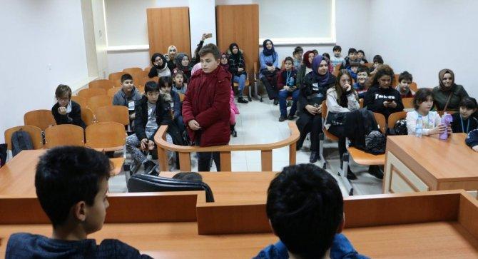 """""""Keşif Yolculuğu Kış Bilim Kampı"""" KTO Karatay Üniversitesinde başladı"""