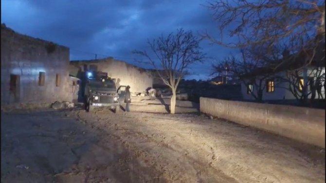 Aksaray'da polis ve jandarmadan silah operasyonu