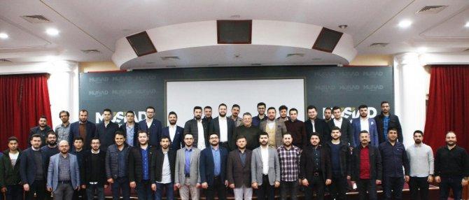 """Genç MÜSİAD Konya Şubesi'nde """"Risk Yönetimi"""" konuşuldu"""