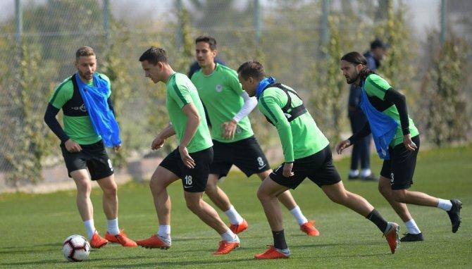 A. Konyaspor'da M. Başakşehir hazırlıklarını sürdürüyor