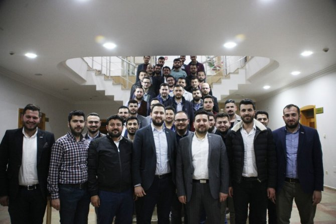 Genç MÜSİAD Konya Şubesinde konferans