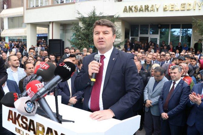 Aksaray Belediye Başkanı Evren Dinçer görevi devraldı