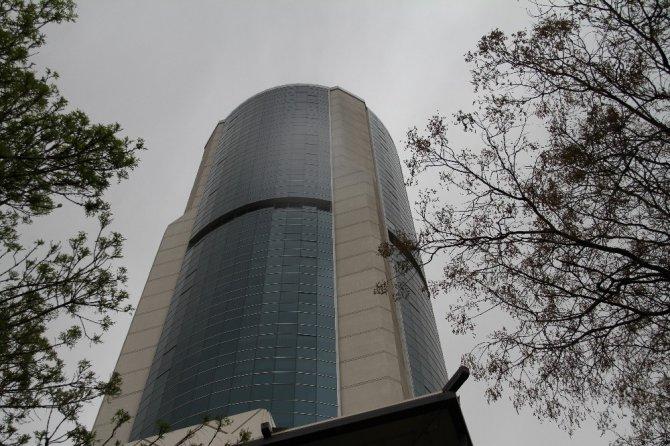 Konya'da 42. kattan ölüme atladı