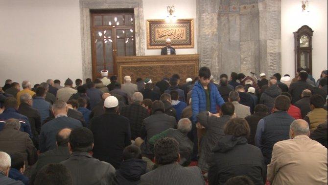 Kandilde camiler ve Hazreti Mevlana Türbesi dolup taştı