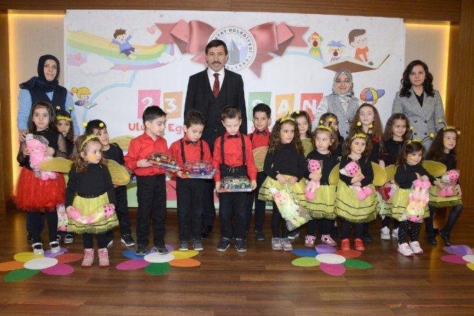 Başkan Kılca, öğrencilerin 23 Nisan coşkusuna ortak oldu
