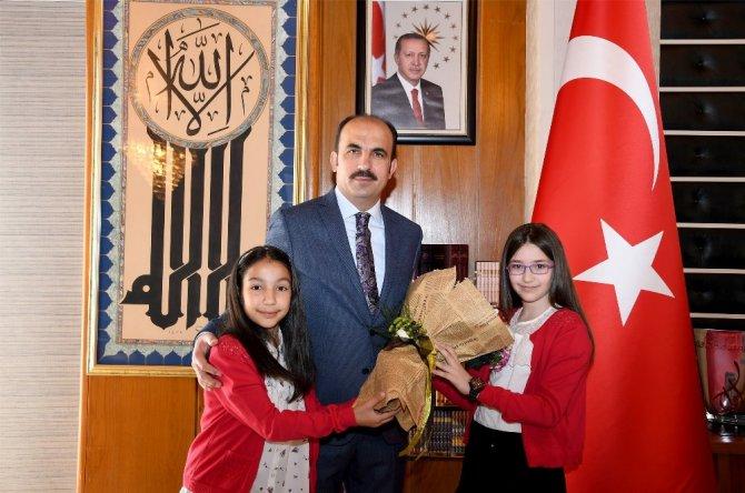 Başkan Altay, makamını Damla Türkmen'e devretti