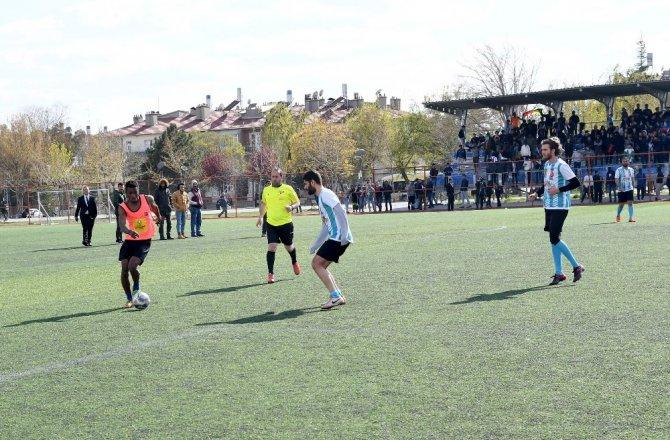Konya'da uluslararası futbol ve masa tenisi turnuvasının ödülleri verildi