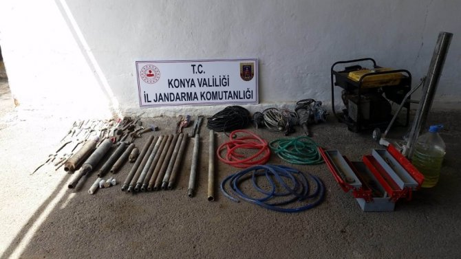 Konya'da kaçak kazı operasyonu: 5 gözaltı
