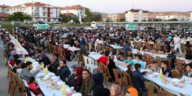 Aksaray'da 3 mahalle belediyenin iftarında buluştu