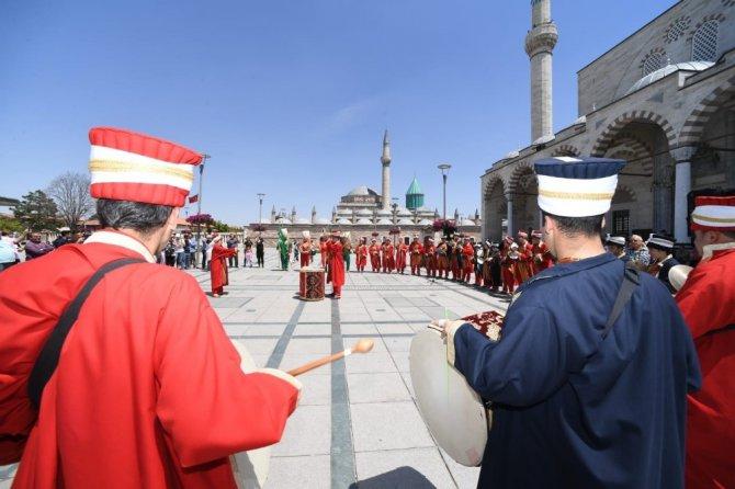 Konya'da Özel Gençler Mehter Takımı'nın konserleri ilgiyle takip ediliyor