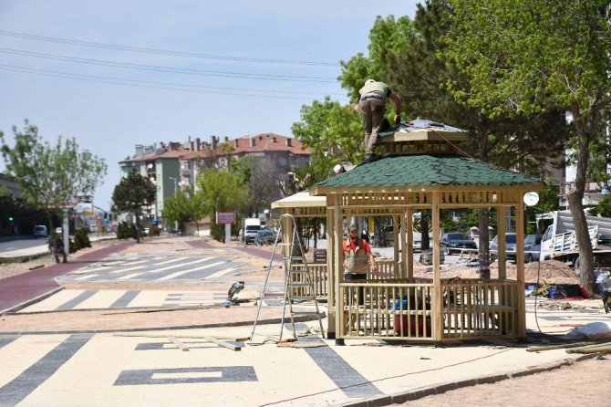 Aksaray Belediyesi parklarda peyzaj ve yenileme çalışmalarına hız verdi