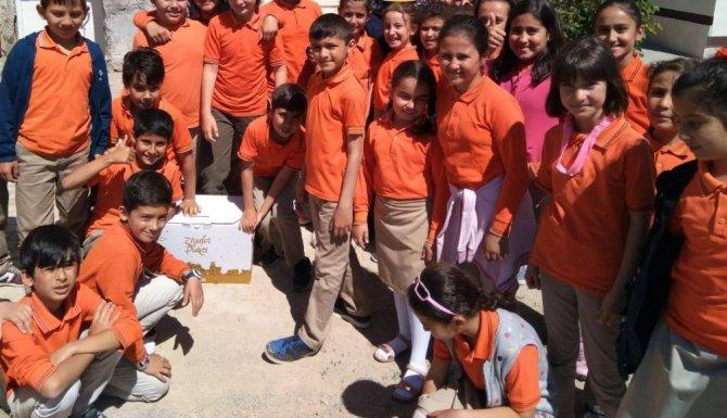 Beyşehir'de öğrenciler biriktirdikleri harçlıklarla ihtiyaç sahiplerine yardım eli uzattı