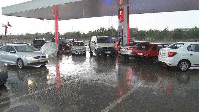 Konya'da dolu yağışı sonrası vatandaşlar zor anlar yaşadı