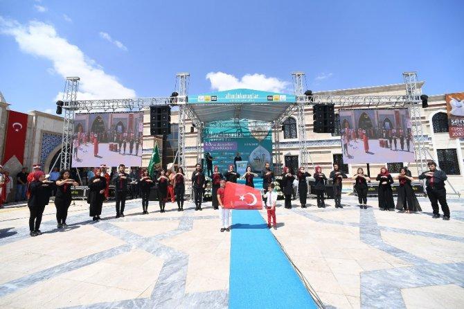 """Altın Dokunuşlar Orta Asya'dan Anadoluya"""" temasıyla açıldı"""