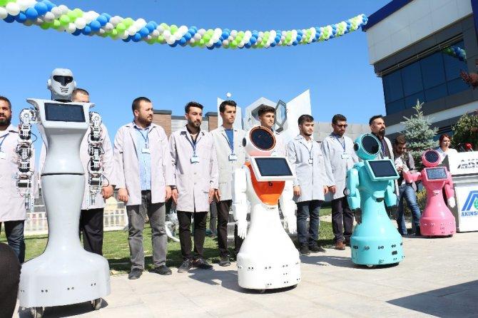 Eğitim verecek robotlar geliyor