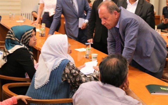 Başkan Oprukçu, vatandaşların sorunlarını dinliyor