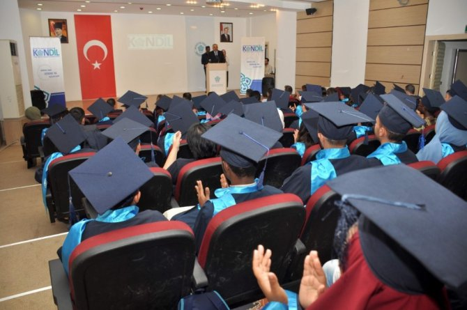 Neü KONDİL öğrencileri mezuniyet heyecanı yaşadı