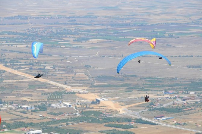 7. Akşehir XC Open 2019 Türkiye Yamaç Paraşütü Mesafe Yarışması başladı
