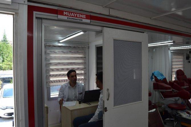 Sağlık çalışanları ve vatandaşlardan kan ve kök hücre bağışı