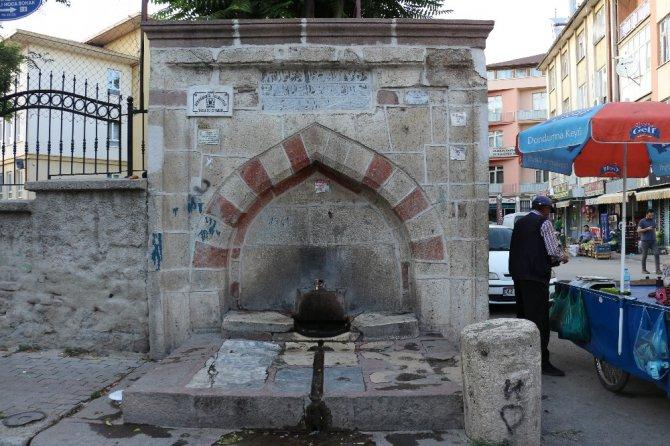 Konya'nın tarihi çeşmeleri zamana direniyor