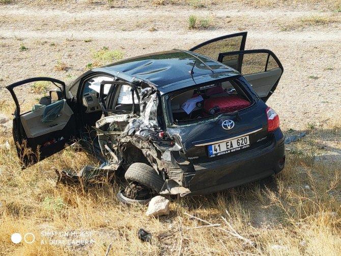 Otomobile çarpan tır yandı: 2 yaralı