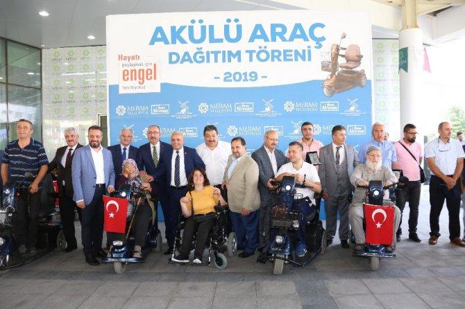 Meram'da engellilerin akülü araç sevinci