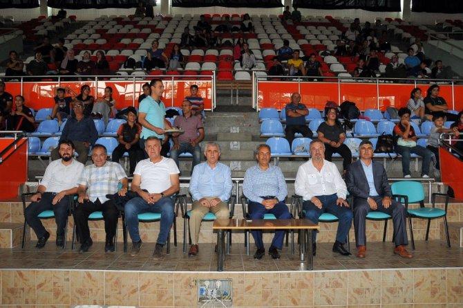 Minikler Ferdi Türkiye Halter Şampiyonası Akşehir'de başladı