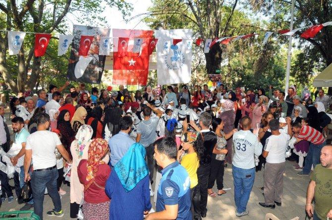 Akşehir Belediyesi'nin 16. geleneksel sünnet şöleni yapıldı