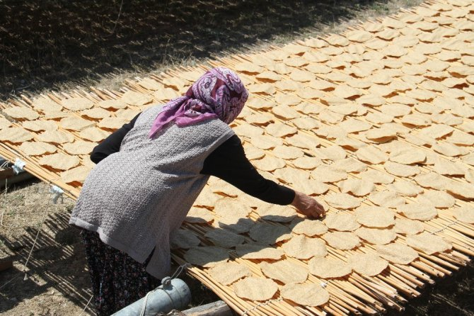 Konya'da asırlık gelenek 'tarhana' mesaisi başladı