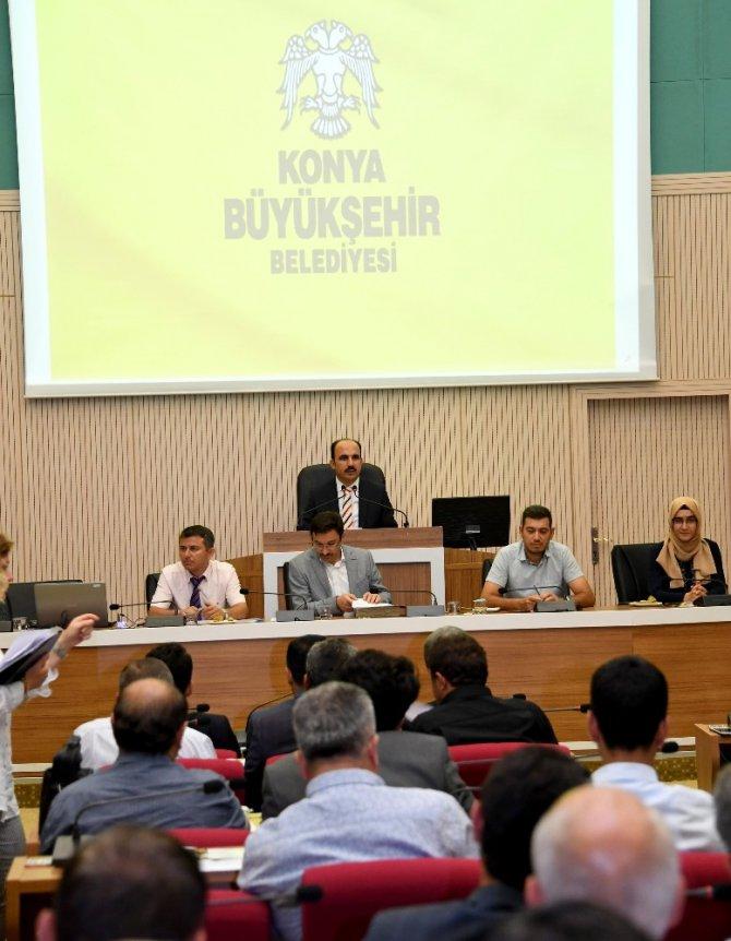 """Başkan Altay: """"Metro taşıt alımının bakanlığa devredilmesi Konya'ya 1 milyarlık katkı sağlayacak"""""""