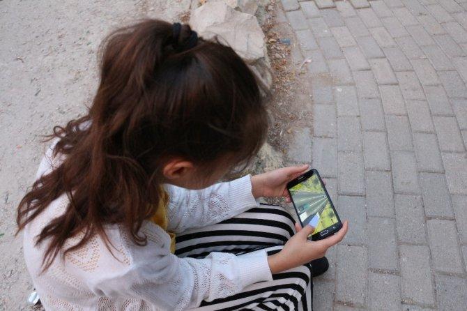 Çocuğa yeter ki sussun diye bilgisayar, tablet vermeyin