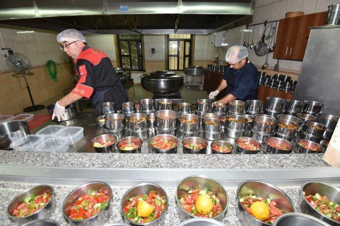 Karatay Belediyesinden 90 bin vatandaşa aşevi hizmeti
