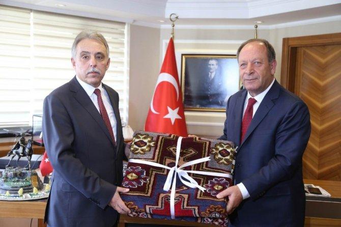 Vali Toprak'tan Başkan Oprukçu'ya ziyaret