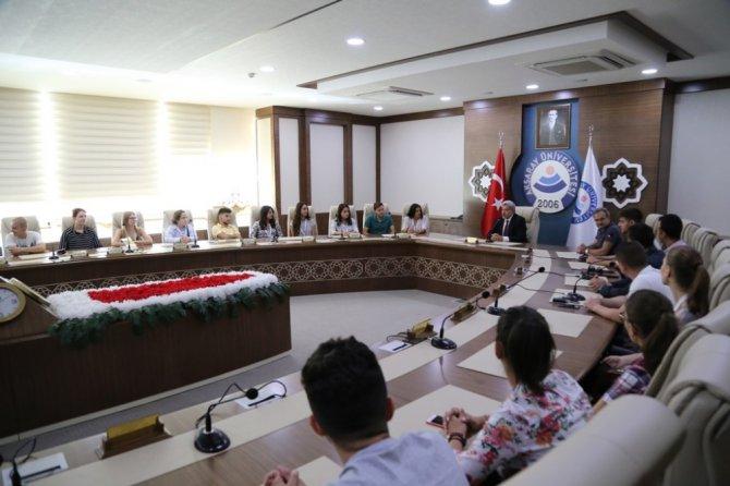 """ASÜ'de """"Hayata Bağımlı"""" projesi başladı"""