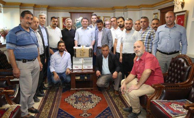 Aksaray Belediyesi, 19 mahalle muhtarına bilgisayar hediye etti