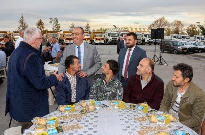 """Başkan Kavuş: """"Temel düsturumuz, tevazu, samimiyet ve gayretle Meramlıya hizmet vermektir"""""""