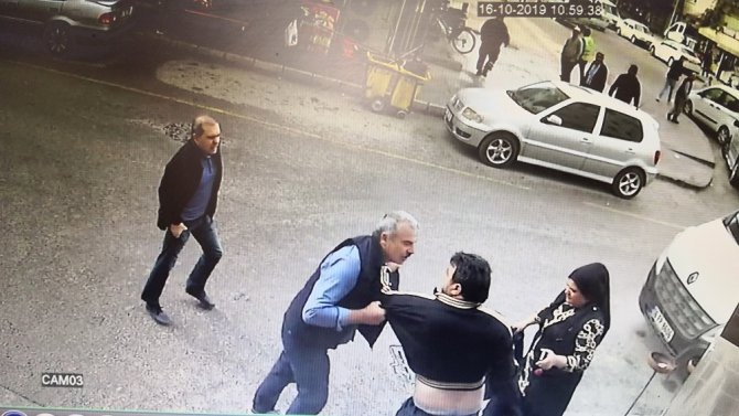 Aksaray'da 2 kişinin yaralandığı silahlı kavga güvenlik kamerasında