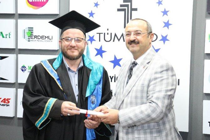 TÜMSİAD Konya Şubesinde diploma heyecanı