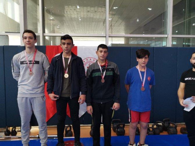 Meram Belediyespor Cumhuriyet turnuvasında şampiyon