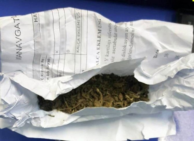 Kümesten 6 kilo 250 gram esrar çıktı
